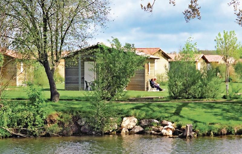 1138101,Apartamento  con piscina privada en Castelmoron Sur Lot, Lot-et-Garonne, Francia para 6 personas...