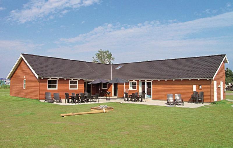 1153735,Casa grande en Idestrup, Lolland, Falster and Mon, Dinamarca  con piscina privada para 24 personas...