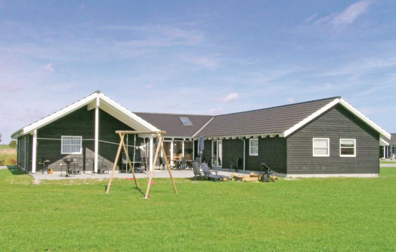 1153736,Casa grande  con piscina privada en Idestrup, Lolland, Falster and Mon, Dinamarca para 24 personas...