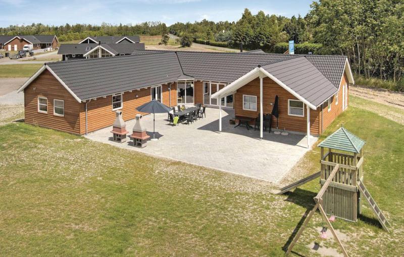 1153916,Casa  con piscina privada en Idestrup, Lolland, Falster and Mon, Dinamarca para 22 personas...