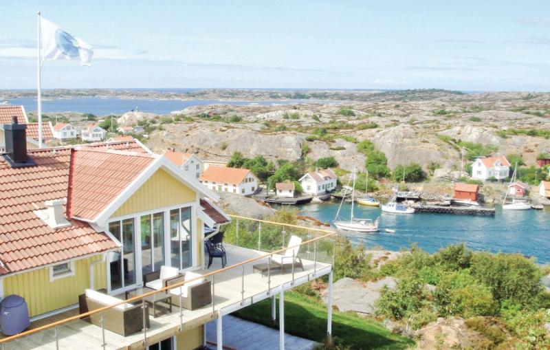 1155011,Casa  con piscina privada en Kyrkesund, Bohuslän, Suecia para 11 personas...