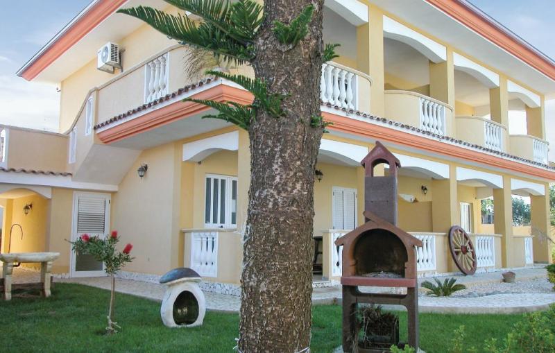 Karol 1155581,Apartamento en Capo Vaticano -Vv-, Reggio Calabria, Italia para 4 personas...