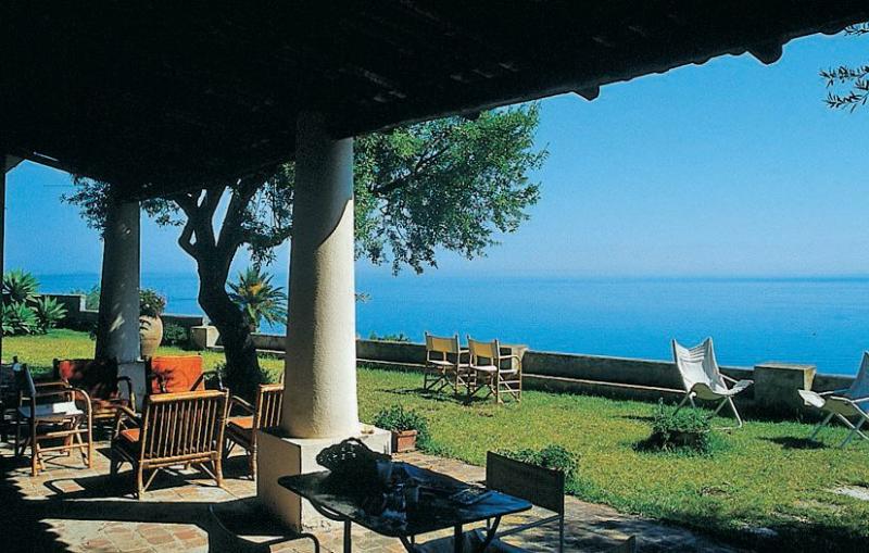 Villa bianca 1155968,Casa en Capo Di Milazzo, Sicily, Italia para 8 personas...