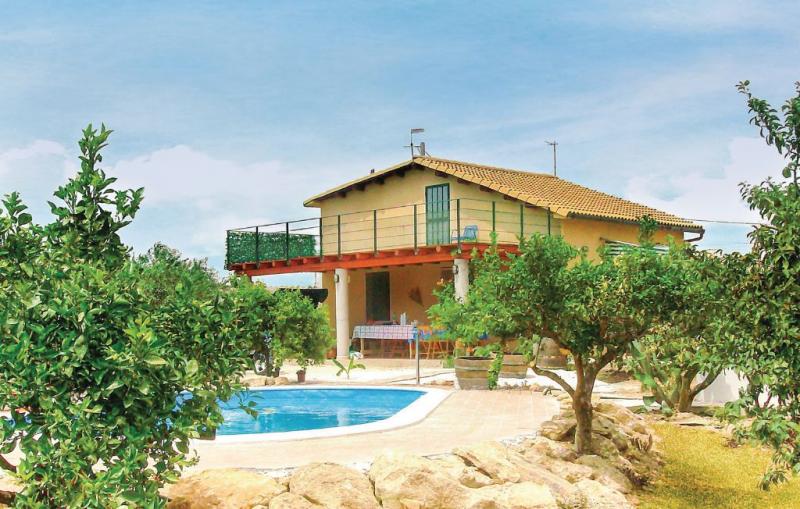 Antonino 1155969,Casa en Menfi Ag, Sicily, Italia  con piscina privada para 5 personas...