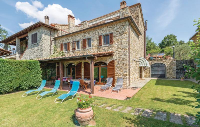 Villa olivi 1156016,Casa  con piscina privada en Subbiano Ar, en Toscana, Italia para 8 personas...