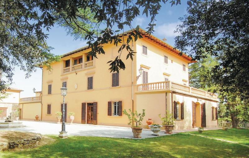 Villa pieve 1156052,Большой дом  с частным бассейном  на 20 человек в Foiano Della Chiana Ar, в Тоскане, в Италии...