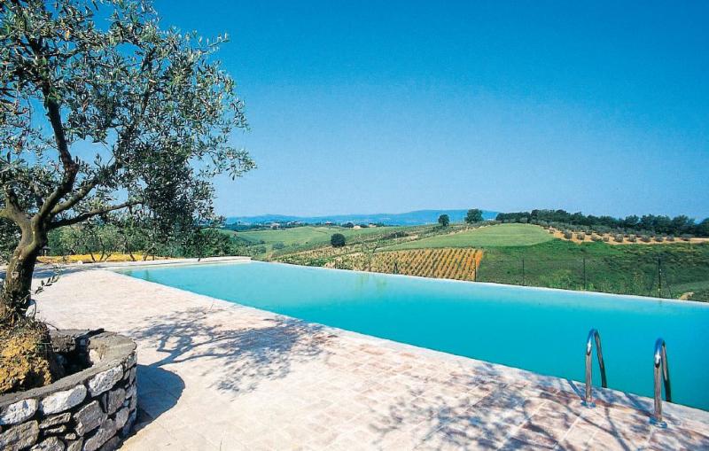 Carlino 1156191,Apartamento en Poggiboni Si, en Toscana, Italia  con piscina comunitaria para 2 personas...