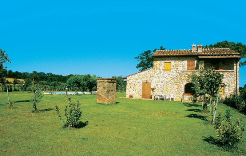 La fiumara 2 1156193,Apartamento  con piscina privada en Poggibonsi Si, en Toscana, Italia para 4 personas...