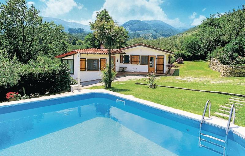 Rio 1156356,Casa en Colle Di Compito Lu, en Toscana, Italia  con piscina privada para 4 personas...