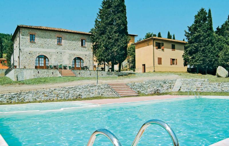 Monterufoli 4f 1156399,Apartamento en Pomarance Pi, en Toscana, Italia  con piscina privada para 4 personas...