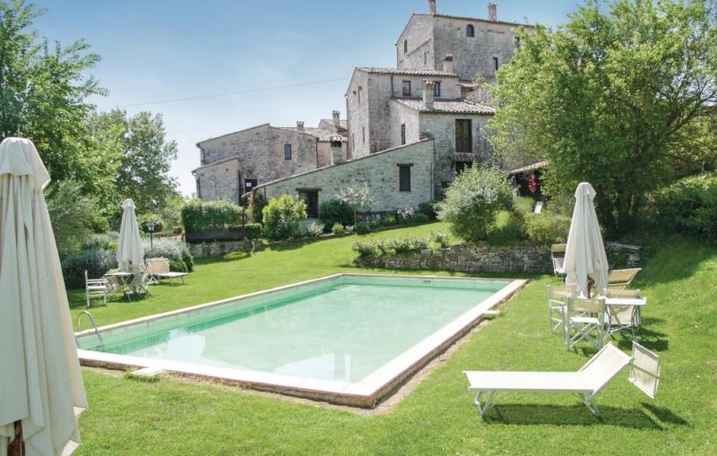 Alabarda 1156722,Vivienda de vacaciones en Todi Pg, Umbria, Italia  con piscina privada para 4 personas...