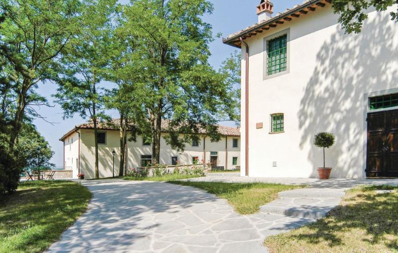 S 1 1157078,Apartamento en Tavarnelle V.p. Fi, en Toscana, Italia  con piscina privada para 6 personas...