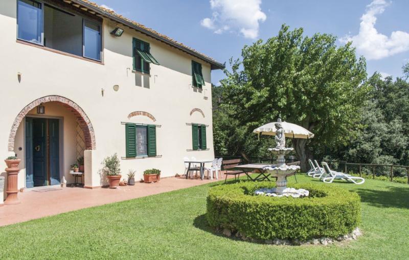 Brucina 1157141,Vivienda de vacaciones  con piscina privada en Montelupo F.no Fi, en Toscana, Italia para 4 personas...