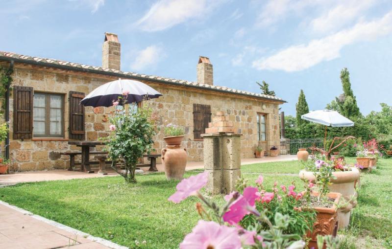 Cavone 2 1157172,Apartamento en Sovana Gr, en Toscana, Italia  con piscina privada para 4 personas...