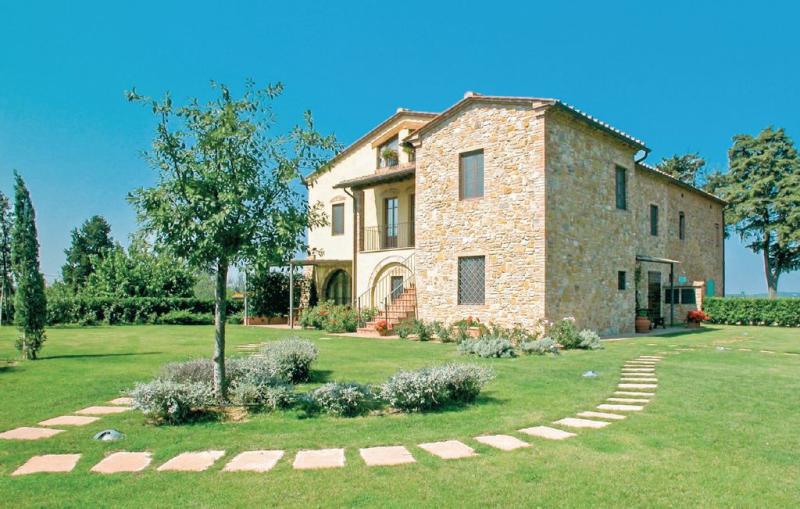 Sognatore 3 1157198,Apartamento en Montaione Fi, en Toscana, Italia  con piscina privada para 5 personas...