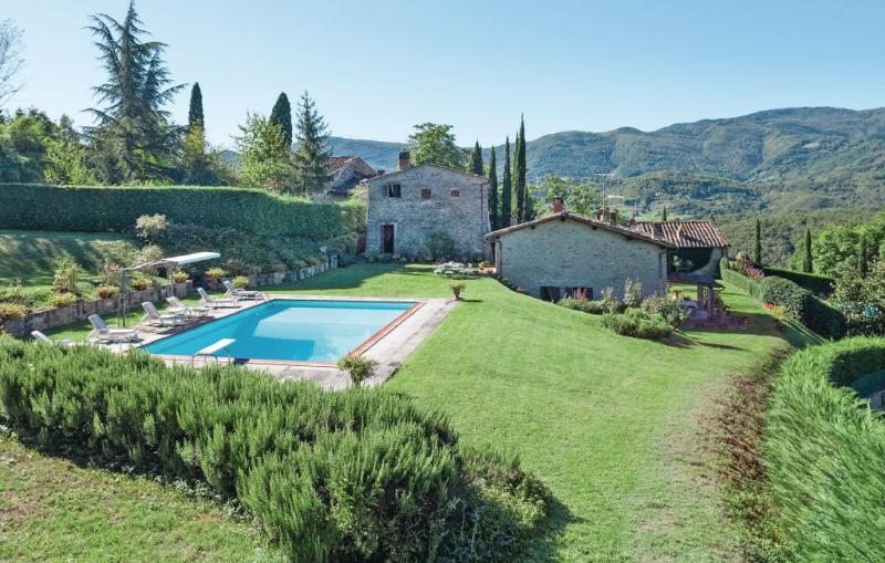 La terrazza dei frati 1157432,Casa grande  con piscina privada en Dicomano, en Toscana, Italia para 10 personas...