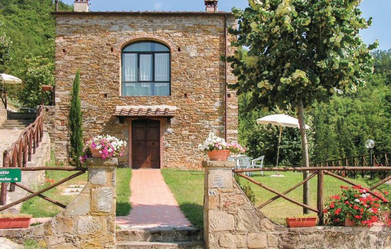 Frantoio 2 1157444,Vivienda de vacaciones  con piscina privada en Dicomano, en Toscana, Italia para 6 personas...