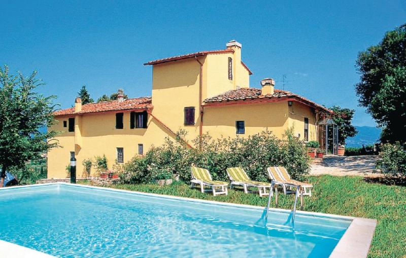 Tutignano 1157631,Casa en Rignano Sull'arno Fi, en Toscana, Italia  con piscina privada para 6 personas...