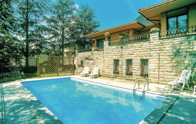 Valentina 1157646,Vivienda de vacaciones en Vicchio, en Toscana, Italia  con piscina privada para 6 personas...