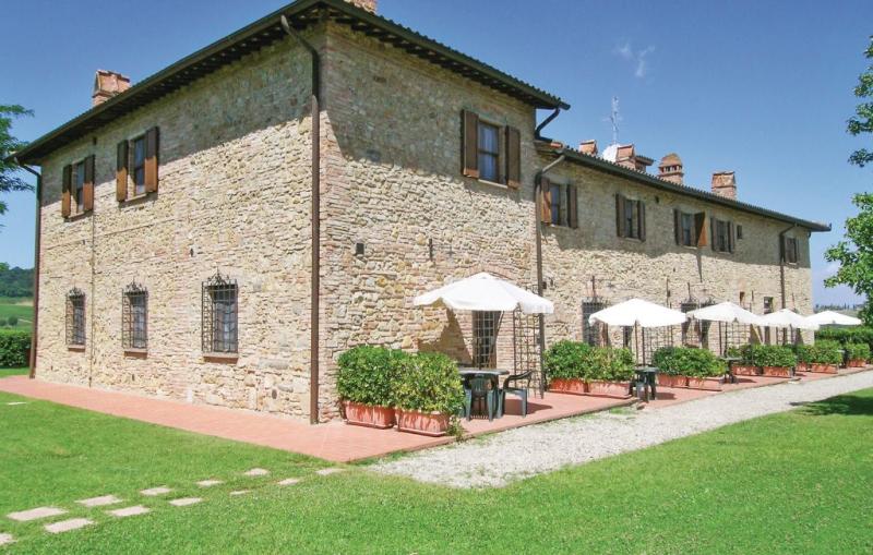Fanciulle 3 1157874,Apartamento en San Gimignano Si, en Toscana, Italia  con piscina privada para 2 personas...