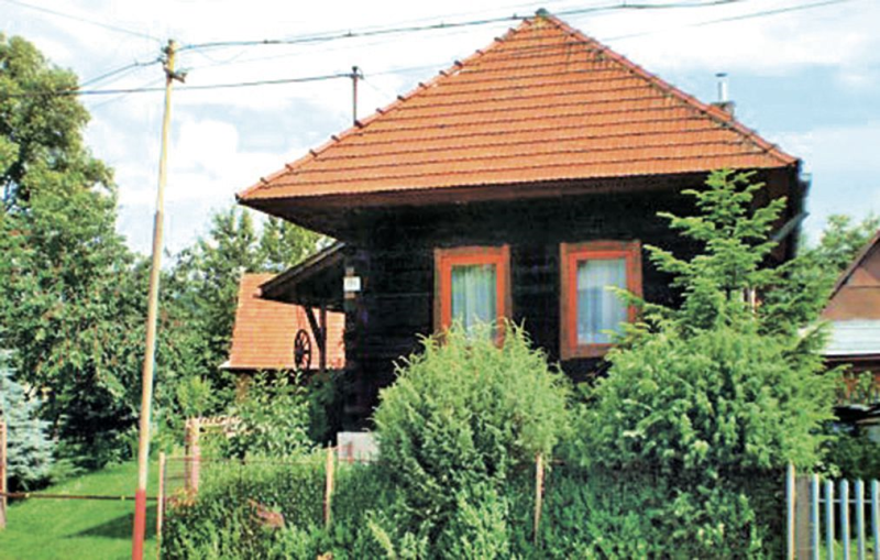 1158077, House  with communal pool in Oravska Poruba, Tatra Mountains, Slovakia for 6 persons...