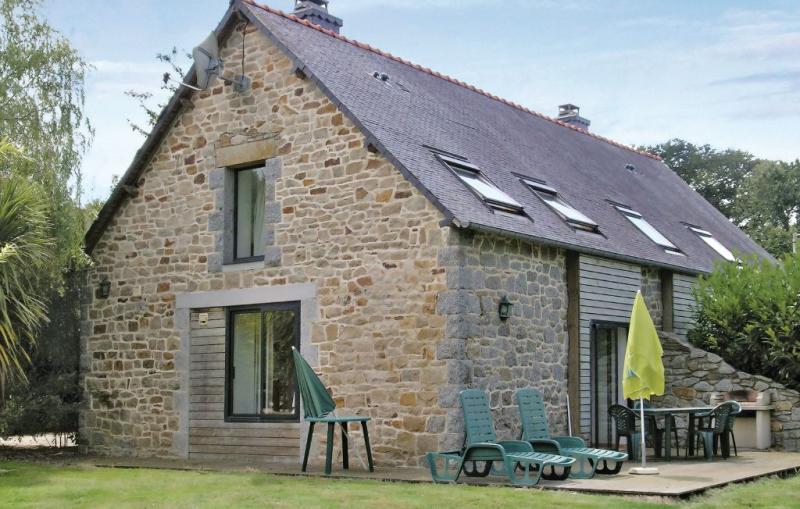 1158255,Vivienda de vacaciones  con piscina comunitaria en St Laurent Begard, Brittany, Francia para 4 personas...