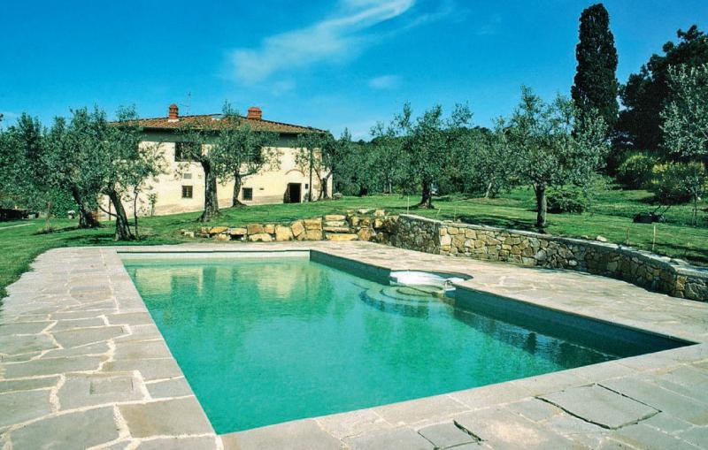 Poggiale 1158382,Casa grande  con piscina privada en Figline Valdarno Fi, en Toscana, Italia para 8 personas...