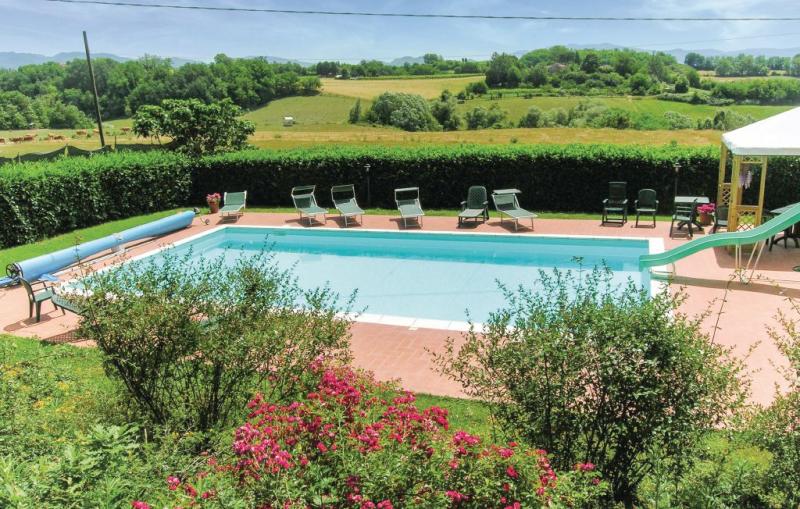 Vezzano 1158383,Casa grande  con piscina privada en Vicchio Di Mugello Fi, en Toscana, Italia para 15 personas...
