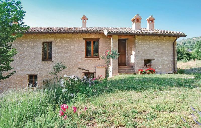 Casalino 1159248,Casa en Spoleto Pg, Umbria, Italia  con piscina comunitaria para 2 personas...