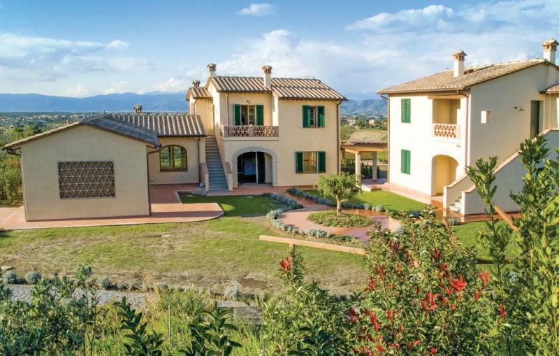 Lavanda 1159603,Vivienda de vacaciones  con piscina privada en Cerreto Guidi Fi, en Toscana, Italia para 6 personas...