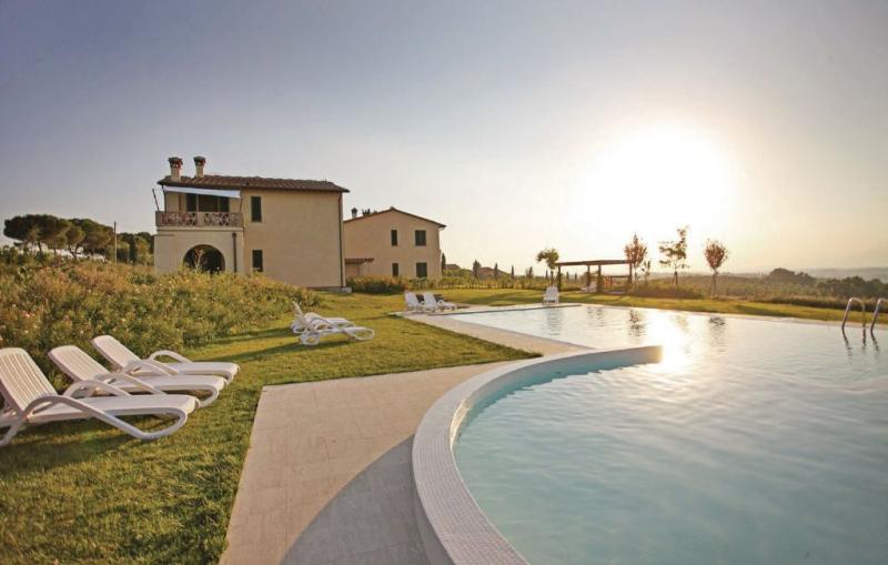 Gardenia 1159604,Vivienda de vacaciones  con piscina privada en Cerreto Guidi Fi, en Toscana, Italia para 6 personas...