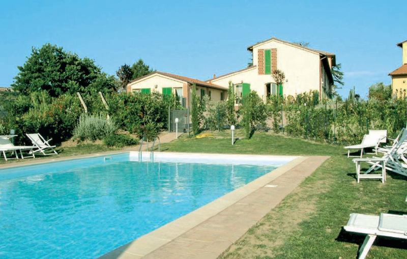Casa rosa 1159691,Apartamento en Montecarlo Lu, en Toscana, Italia  con piscina privada para 8 personas...