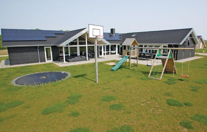1161503,Casa grande  con piscina privada en Haderslev, South Jutland, Dinamarca para 24 personas...