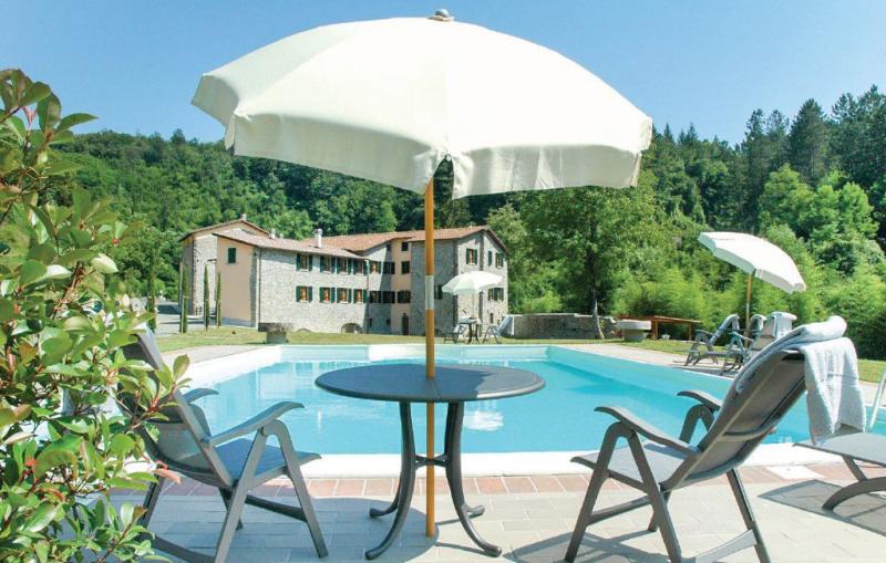 Templari 1161834,Apartamento en Fivizzano Ms, en Toscana, Italia  con piscina privada para 8 personas...