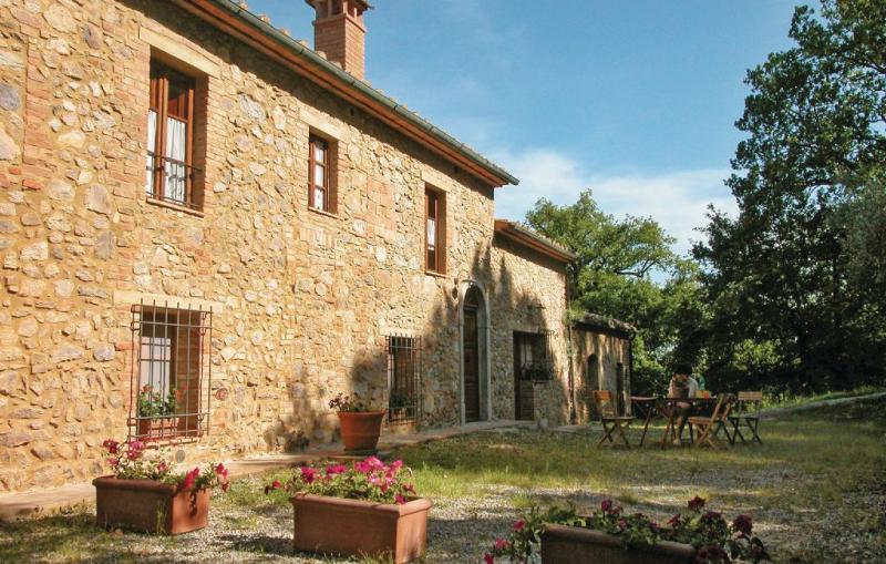 1161838,Location de vacances à Monticiano Si, en Toscane, Italie  avec piscine communale pour 4 personnes...