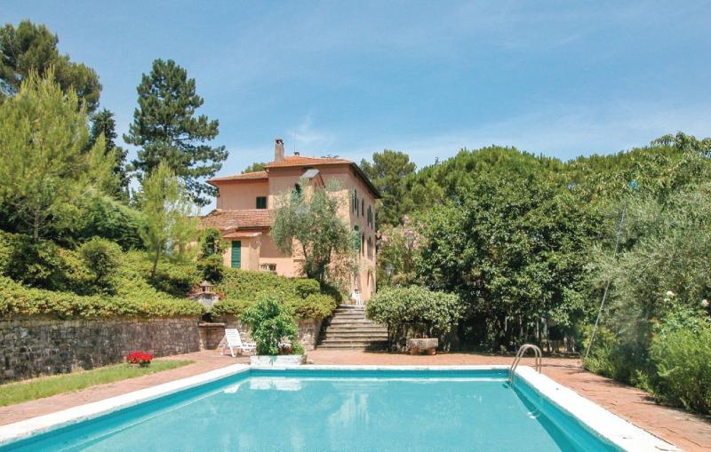 Villa pasticci 1162460,Casa grande en San Venanzo Tr, Umbria, Italia  con piscina privada para 8 personas...