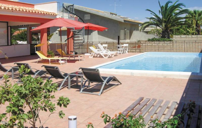 Apt 5 1164026,Apartamento  con piscina privada en S. Croce Camerina Rg, Sicily, Italia para 6 personas...