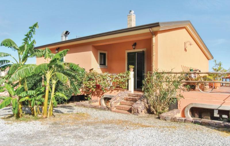 9 1164037,Apartamento  con piscina privada en Gioiosa Marea Me, Sicily, Italia para 4 personas...