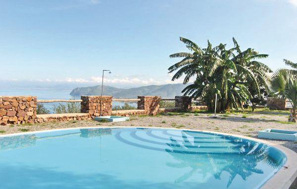 C 1164040,Apartamento en Gioiosa Marea Me, Sicily, Italia  con piscina privada para 5 personas...