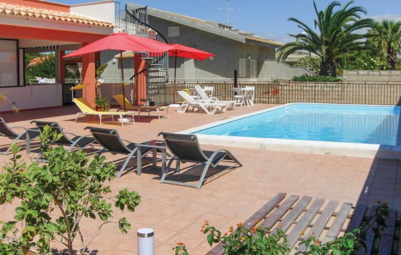 Apt 3 1164145,Apartamento en S.croce Camerina Rg, Sicily, Italia  con piscina privada para 4 personas...