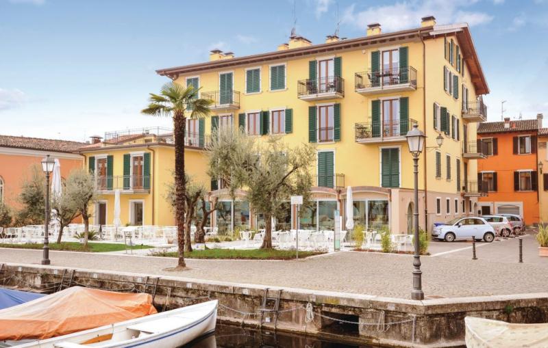 Bouganville 1166229,Apartamento en Salò Bs, Lake Garda, Italia para 3 personas...