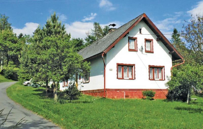 1168182,Casa  con piscina privada en Haje Nad Jizerou, Královéhradecký kraj, Chequia para 6 personas...