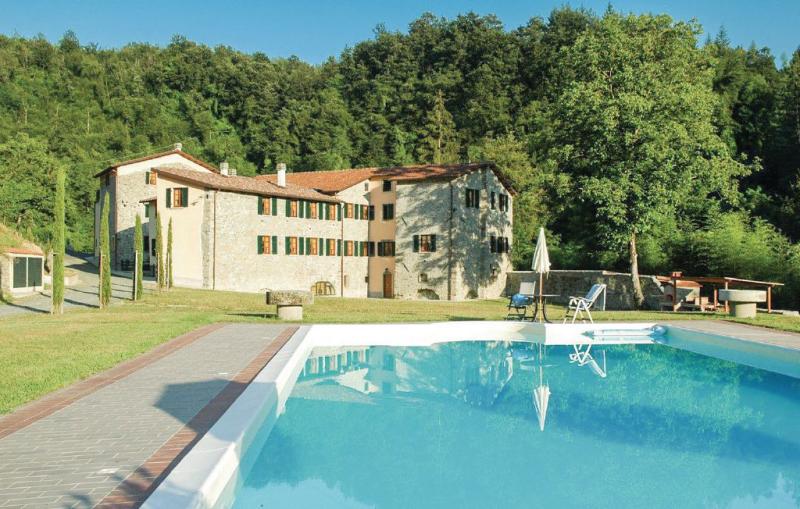 Castello 1168393,Apartamento  con piscina privada en Fivizzano Ms, en Toscana, Italia para 6 personas...