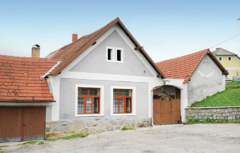 1169115,Vivienda de vacaciones  con piscina comunitaria en Vlachovo Brezi, Jihoceský kraj, Chequia para 5 personas...