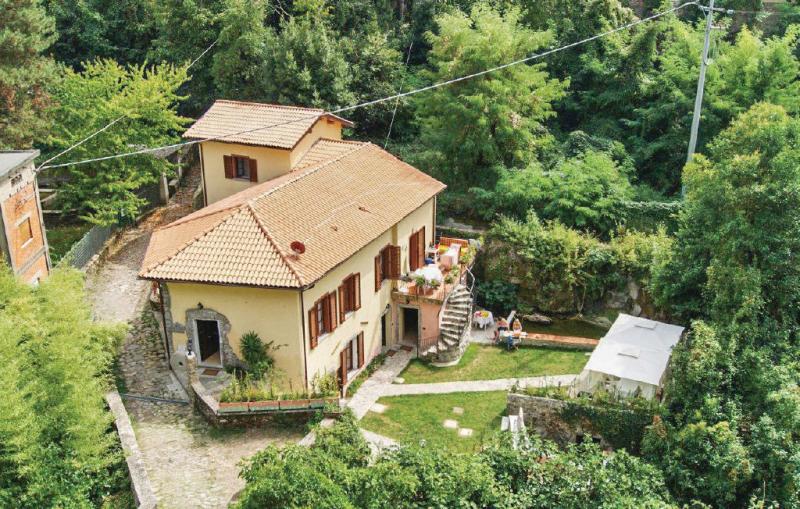 Violetta 1169301,Apartamento en Bagnone Ms, en Toscana, Italia para 3 personas...