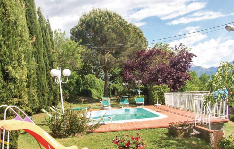 Casa rosa 1170505,Apartamento en Fivizzano Ms, en Toscana, Italia  con piscina privada para 6 personas...
