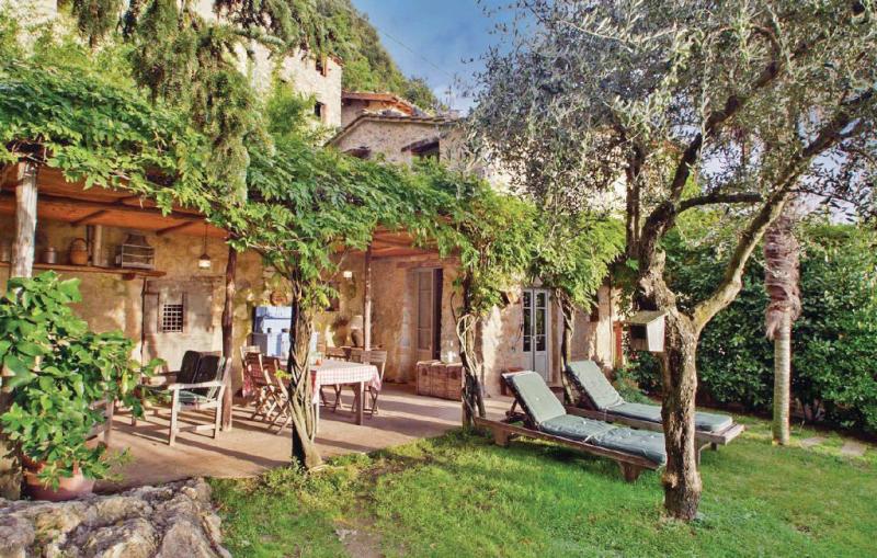 Il gallinaio 1170516,Casa  con piscina privada en Metato Camaiore Lu, en Toscana, Italia para 6 personas...