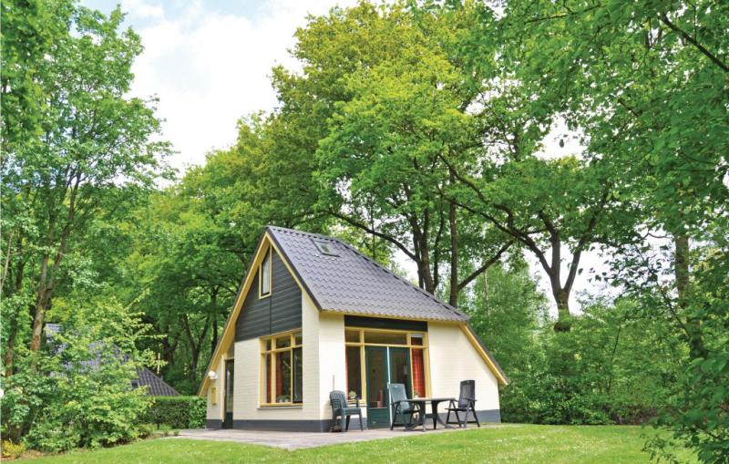 Gerner 4 pers bungalow 1170632,Недвижимость  с общим бассейном  на 4 человекa в Dalfsen, Overijssel, в Голландии...