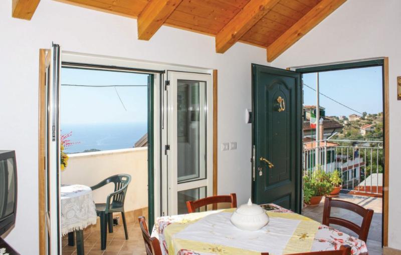 Casa antonia 1piano 1170642,Apartamento en Castellabate Sa, Naples, Italia para 4 personas...