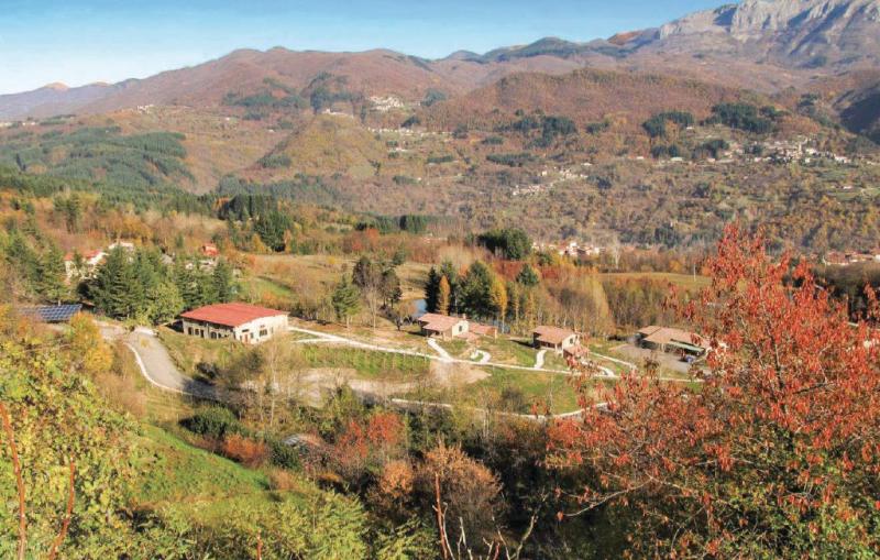 Aquila 3 1170972,Vivienda de vacaciones  con piscina privada en Camporgiano Lu, en Toscana, Italia para 6 personas...